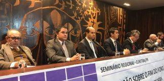 """Na """"República de Curitiba"""", Efraim palestra a favor do fim do foro privilegiado"""