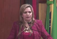 """Vereadora canta """"A Escrava Isaura"""" para ilustrar tratamento recebido por Cartaxo; ouça"""