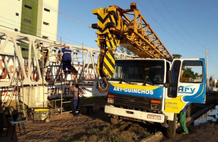 DER-PB inicia a montagem de passarela nas proximidades do Iesp, na BR-230