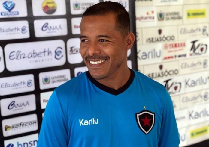 Marcos Aurélio passa Doda e se torna o meia com mais gols pelo Belo