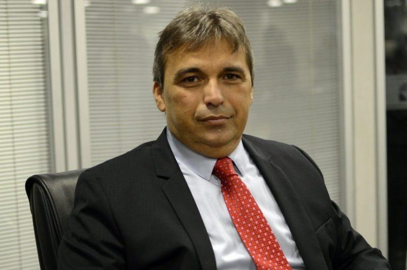 Genival Matias sofre mau súbito e morre ao cair de jet ski, em PE ...