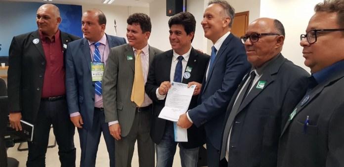 Aguinaldo Ribeiro se reúne com líderes da Câmara e prefeitos paraibanos