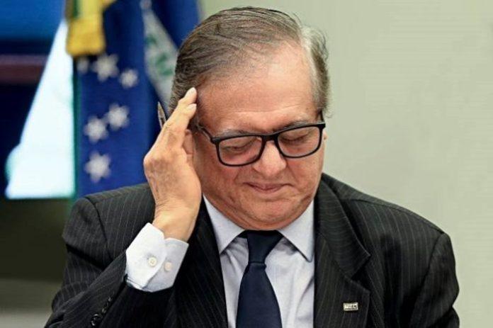 Bolsonaro sinaliza demissão de Ricardo Vélez do Ministério da Educação