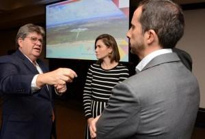 João Azevêdo apresenta edital e empresários elogiam Polo Cabo Branco