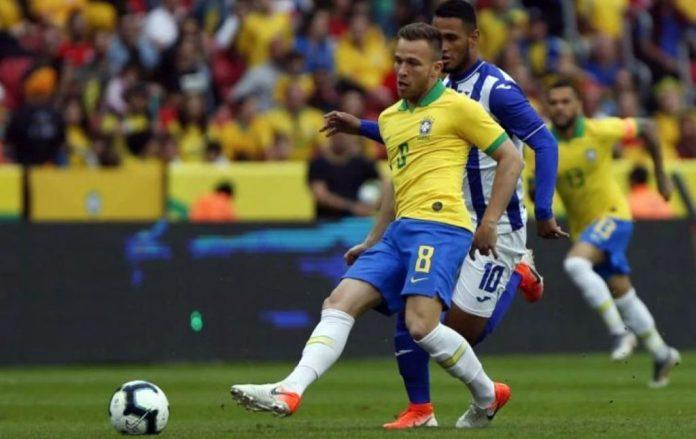 Sob ameaça da greve geral, Brasil pega Bolívia na estreia da Copa América