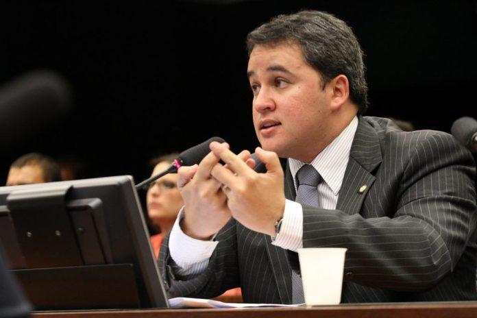Efraim Filho acredita que não há tempo para aprovar PEC da prorrogação de mandatos