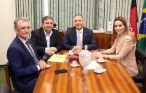 Aguinaldo Ribeiro atende demandas de Galego Souza e prefeito do Sertão