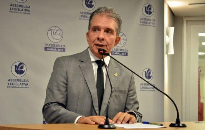 João sanciona leis do deputado Nabor que beneficiam consumidores paraibanos