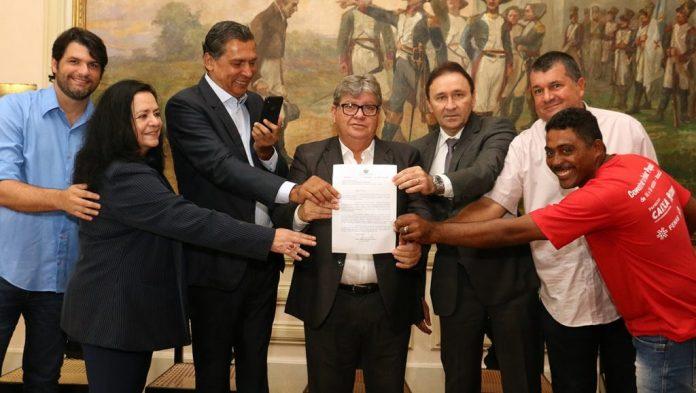 João lança programa de para construir este ano mil novas moradias na Paraíba