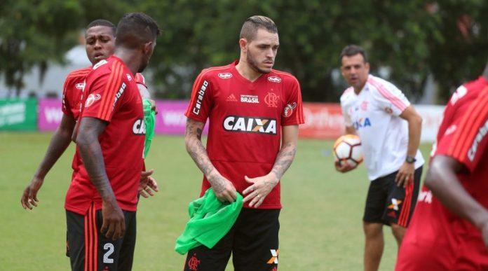 """Jogador paraibano ganha """"chance de ouro"""" no Flamengo de Jorge Jesus"""