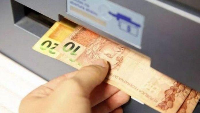 Governo anuncia ajuda de R$ 200 por mês para trabalhadores autônomos