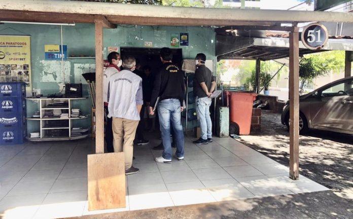 PMJP fecha bares e bancas de revista no Bessa por 'furarem' decreto do isolamento