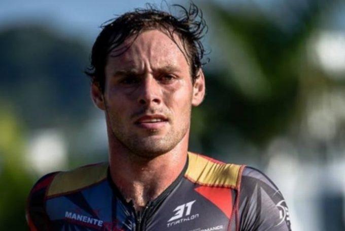 Triatleta de 31 anos sofre mal súbito e morre enquanto treinava na piscina