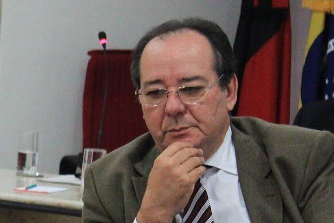 Calvário: STJ anula ato de aposentadoria de Arthur Cunha Lima no TCE-PB