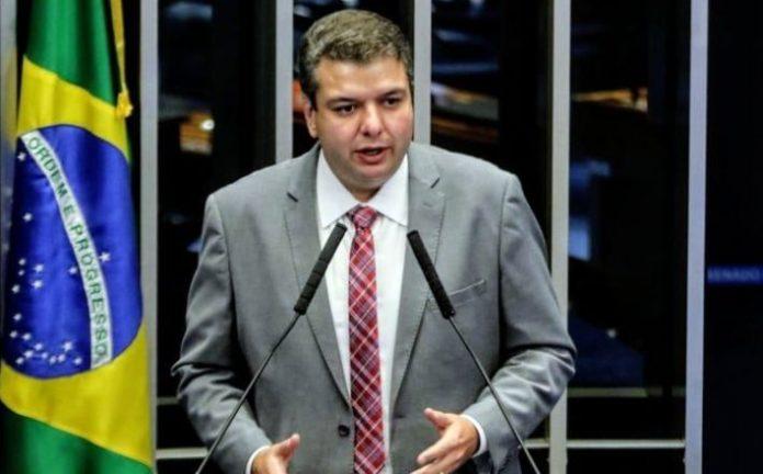 Diego Tavares vota pela aprovação da nova lei de falências e recuperação judicial