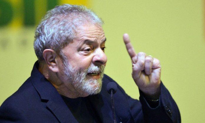 """""""Bolsonaro vai perder as eleições"""", diz Lula a jornal espanhol sobre 2022"""