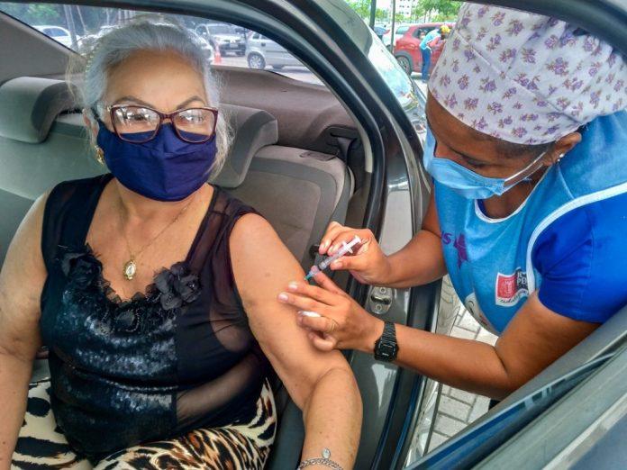 Covid: agendamento é indispensável para quem vai se vacinar em JP, diz Saúde