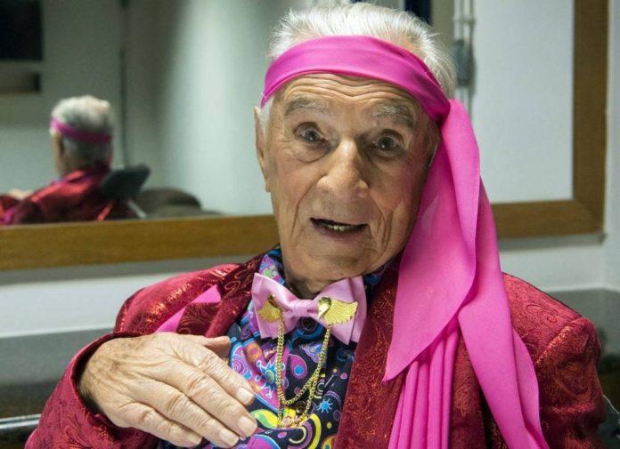 Morre aos 101 anos o 'Seu Peru' da Escolinha do Professor Raimundo