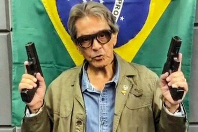 Preso e denunciado: PGR acusa Roberto Jefferson de incitação ao crime