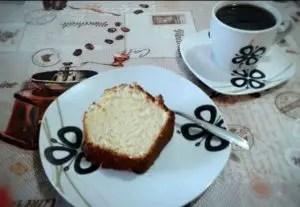 bolo-de-iogurte-natural-e-limao-c