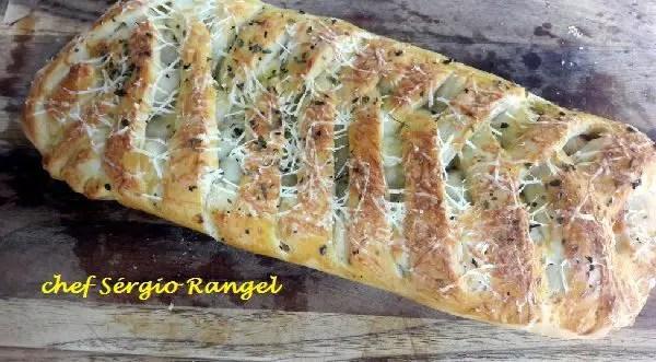 Tem Na Web - Massa para Pão (básica) - Pão franciscano e trança calabresa com queijo..