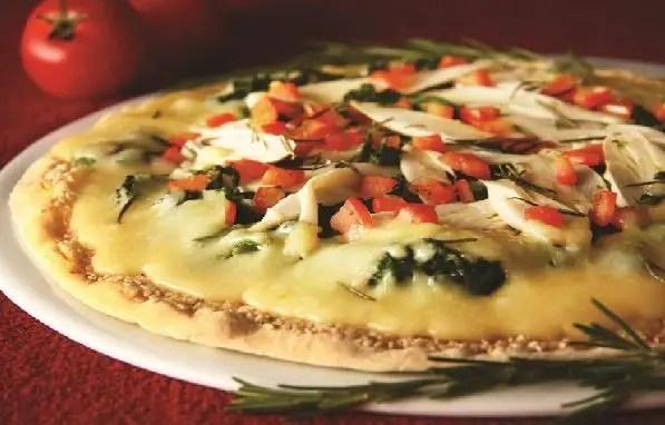 pizza-vegetariana-de-palmito-e-brocolis