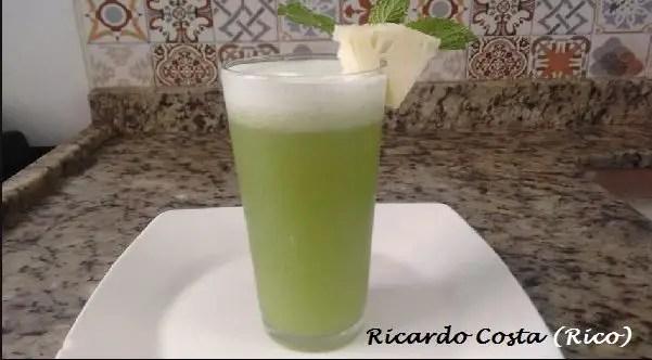 Tem Na Web - SUCO DE ABACAXI COM HORTELÃ - Delicioso, refrescante e nutritivo.