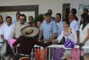 Los charros vallartenses celebraron su día con vistoso desfile