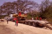 Antorchistas gestionan maquinaria para construcción y rehabilitación de infraestructura rural de Tomatlán.