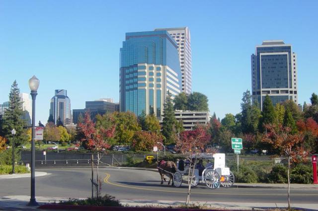 Sacramento_from_Riverwalk