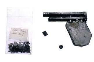 Pistola de doble barril. Fue creada en un taller metalúrgico por un convicto que trabajaba en el mismo.