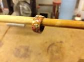 Agrego resina para fortalecer el anillo.