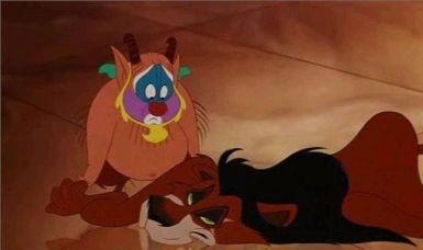 En Hercules - El león es Scar de la película El Rey León.