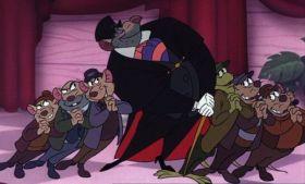 En Policias y Ratones - Vemos a Bill la lagartija de la película Alicia en el país de las maravillas que es parte de la pandilla de Ratigan.