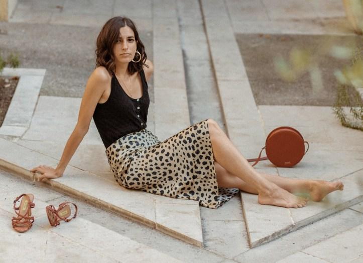 realisation-par-naomi-leopard-silk-skirt-aria-di-bari-french-street-style-blogger-knit-tank-top-zara-balzac-paris-bocage-summer-outfit-editorial-5