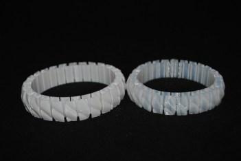 3D printed bracelet normal PLA (left) and FlexPLA (right) © parametric | art