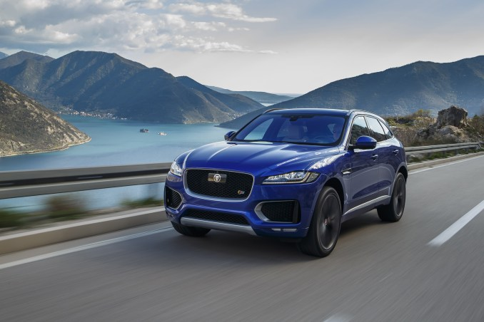 jag_f-pace_drives_caesium_blue_first_edition_280416_01