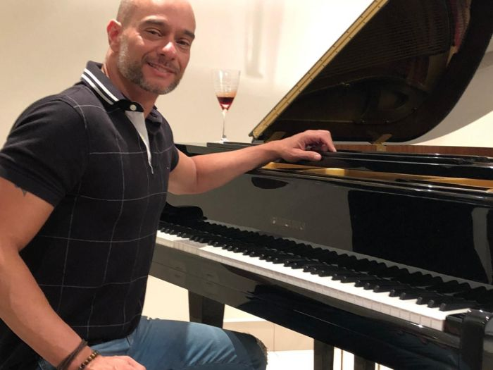 "Full Jazz Bar apresenta ""A Arte do Piano Popular"" com Rogério Koury"