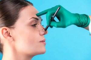 Como funciona o procedimento para aumentar o nariz, o que pode dar um aspecto mais marcante ao rosto