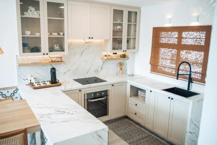 Porcelanato é material ideal para bancadas de cozinha