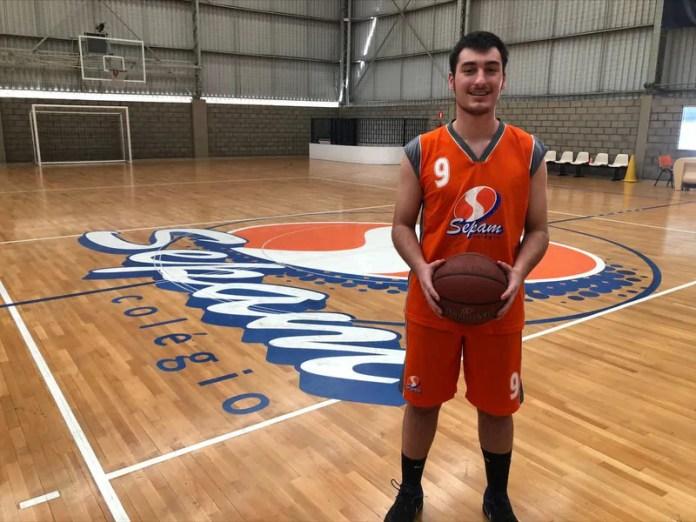 Atleta de Ponta Grossa é convidado para estudar e jogar basquete nos Estados Unidos