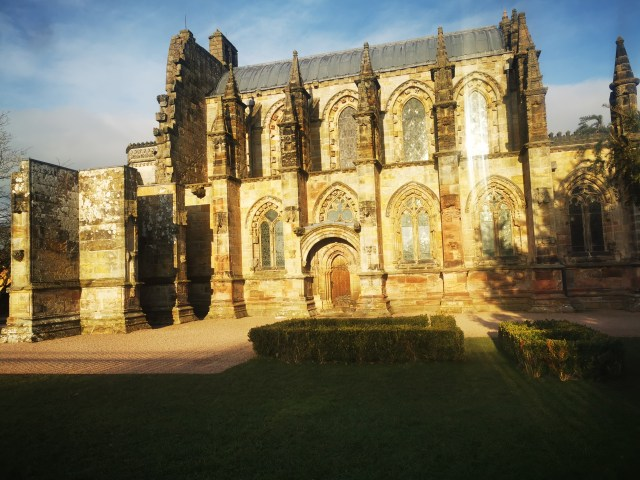 Rosslyn Chapel | History and Hauntings