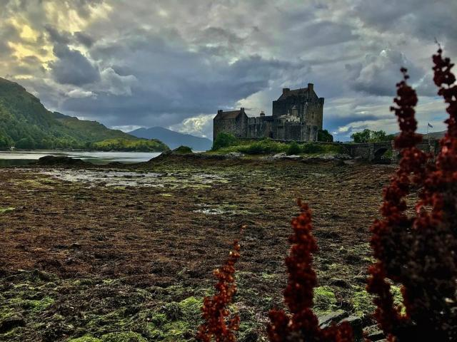 EILEAN DONAN |Scotlands Most Romantic Castle and Haunted!