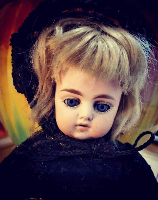 The Victorian Mourning Doll / Séance Doll | Take a look at Ours…