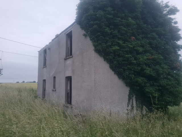 The Mysterious Abandoned House in Lincolnshire