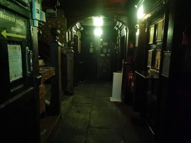 The Black Swan Pub | History | Hauntings | Investigation