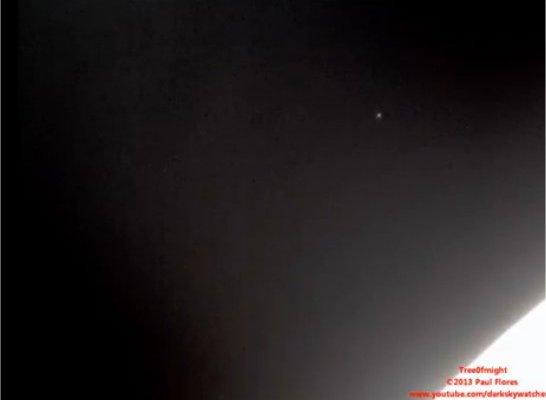 Un ovni en orbite autour de la Lune pendant 7 minutes
