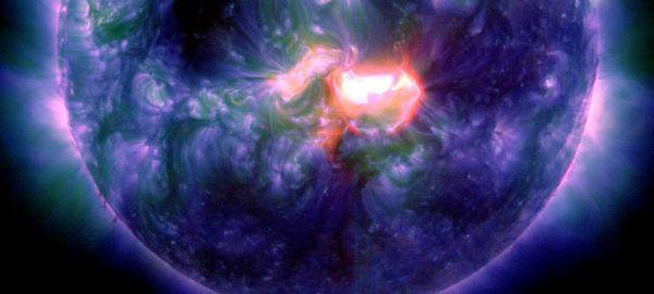 Une forte éruption solaire retarde une mission spatiale
