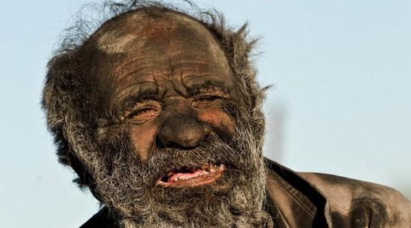 L'homme le plus sale du monde ne s'est pas lavé depuis 60 ans !