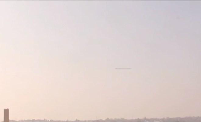 Un OVNI en forme de cigare filmé en Ukraine
